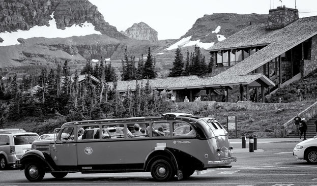 GNP red bus at summit.jpg