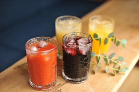 ジュース ソフトドリンク オレンジ 洋梨 ぶどう トマト