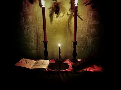 Magick Mondays - Create your own Ritual (The Method I Use)