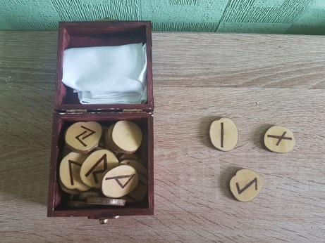 Magick Mondays - Runes