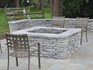 Building a gas powered fire pit and seat walls with Rivercrest wall stone