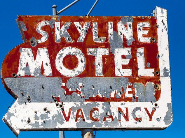 Skyline Motel Sign