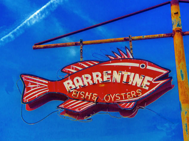 Barretine Fish & Oysters Sign