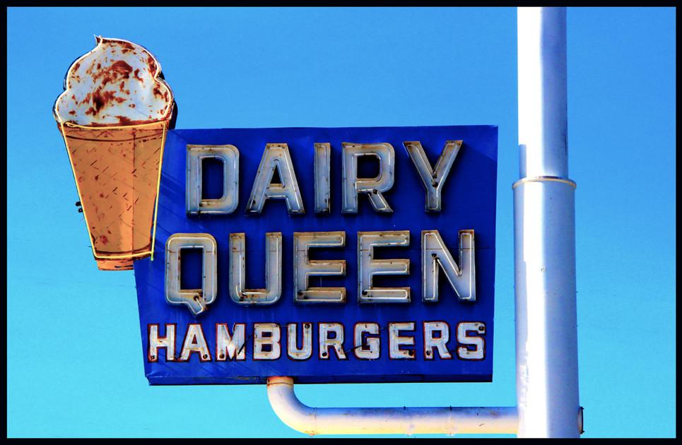 EXH.Dairy Queen Hamburgers 1306.010.DS_6100_2014 Resized.jpg