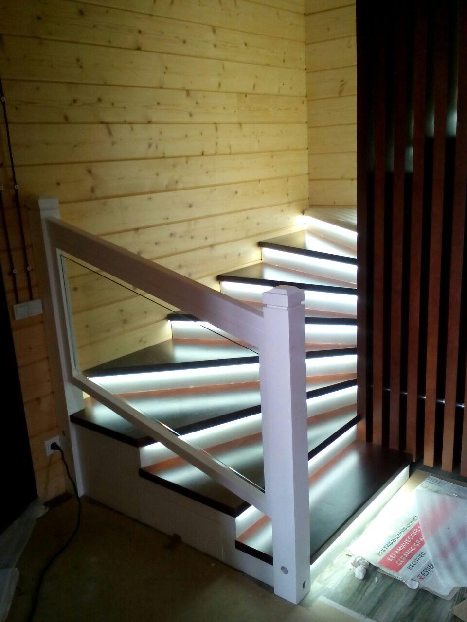 Перегородка наборная для лестницы