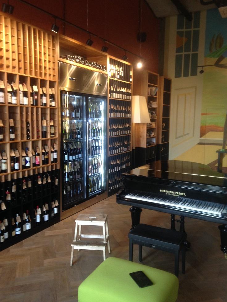 Изготовление винных шкафов из дерева