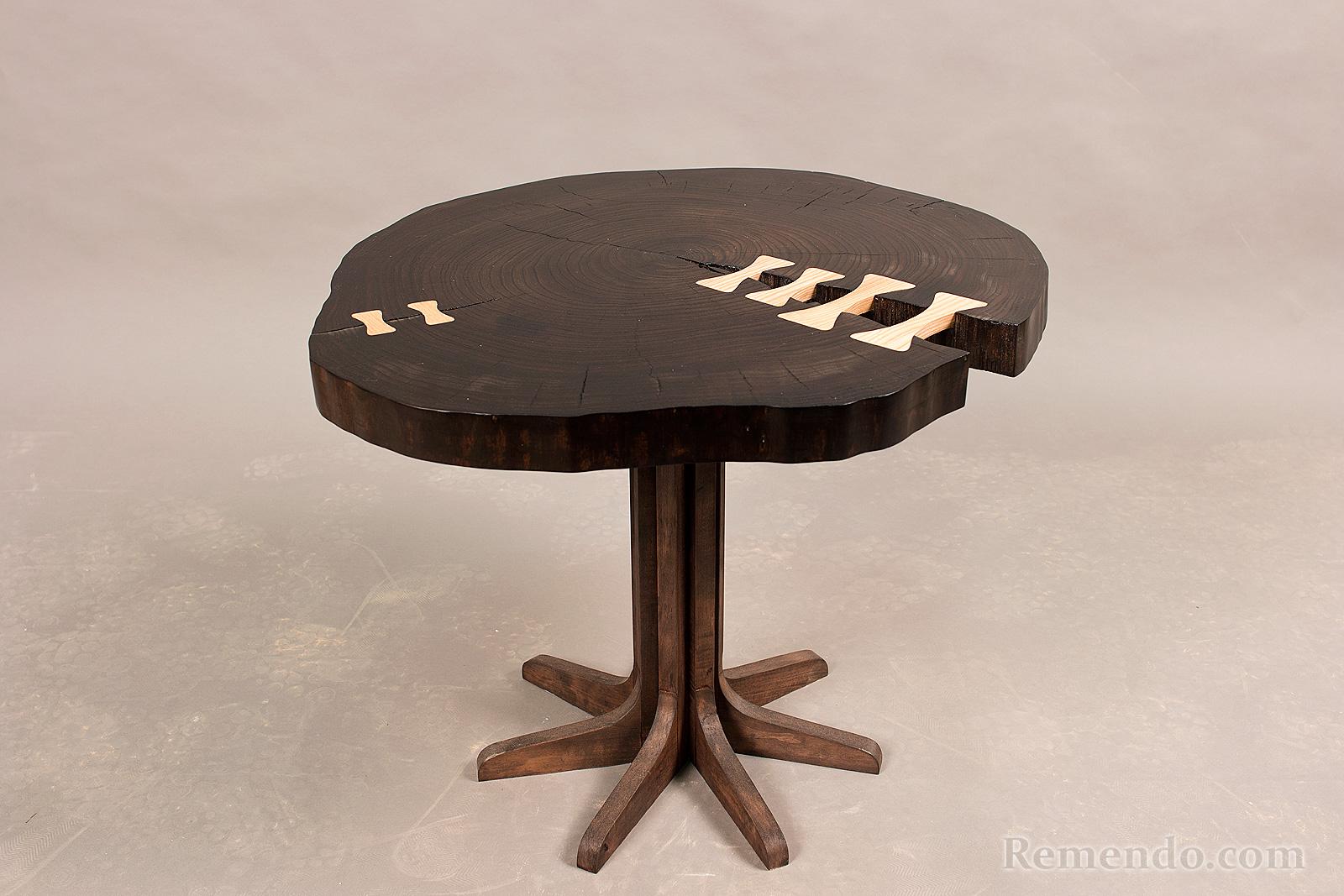 Коффейный столик из массива