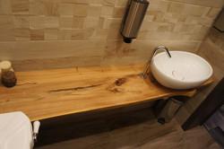 Столешница в ванную из массива