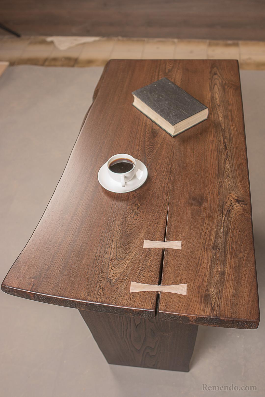 Кофейный стол массив