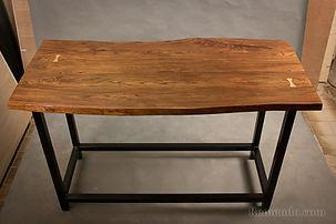 Барный стол из массива Live Edge