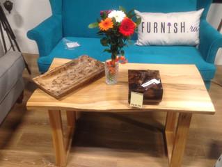 Наши столы в шоу-руме TheFurnish
