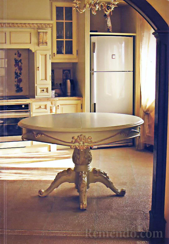 Стол раздвижной в классическом стиле