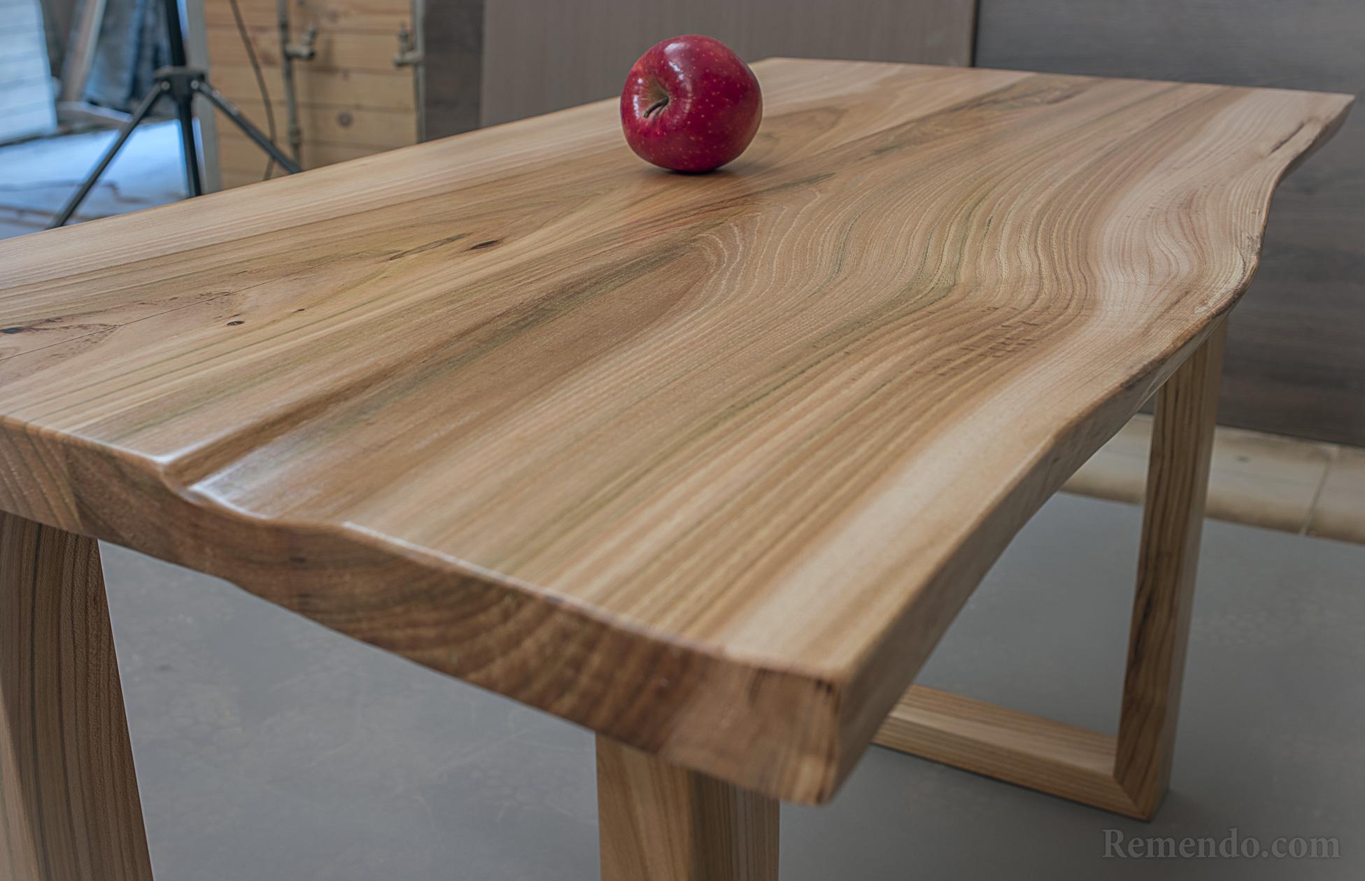 Кофейный стол дерево