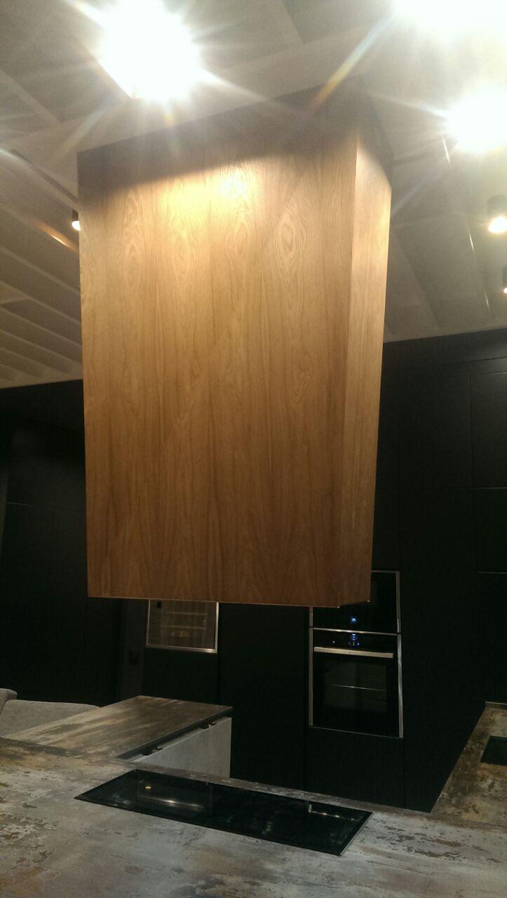 Деревянная панель для вытяжки