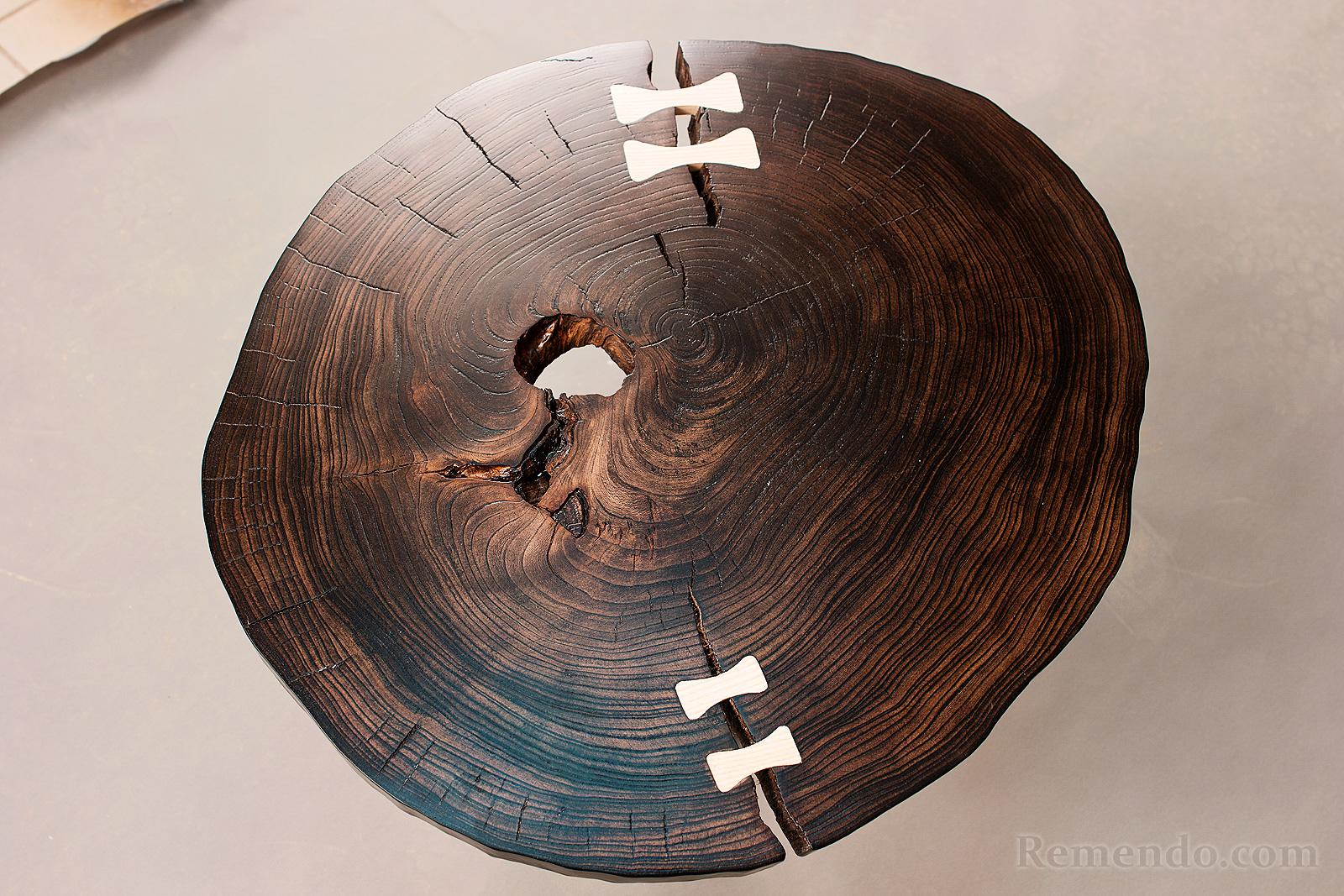 Круглый кофейный столик из спила