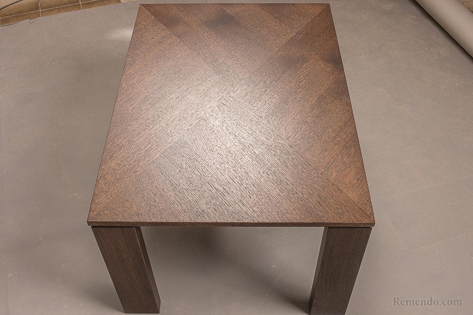 Журнальный стол из настоящего дерева