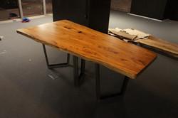 Большой стол из массива карагача