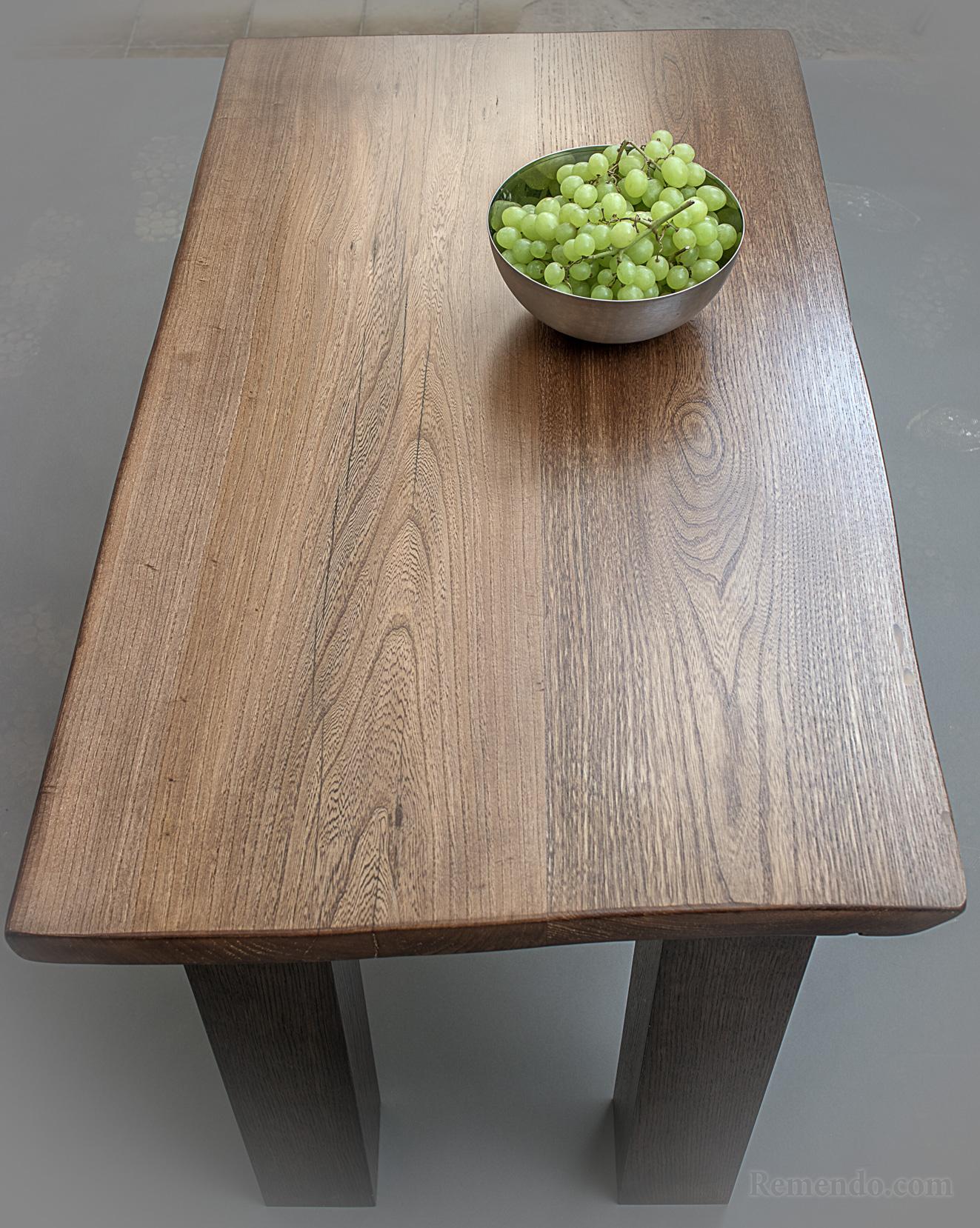 Стол журнальный из дерева