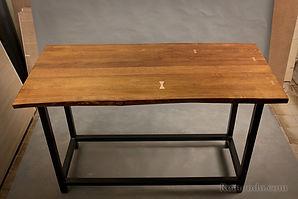 Барный стол в стиле Live edge