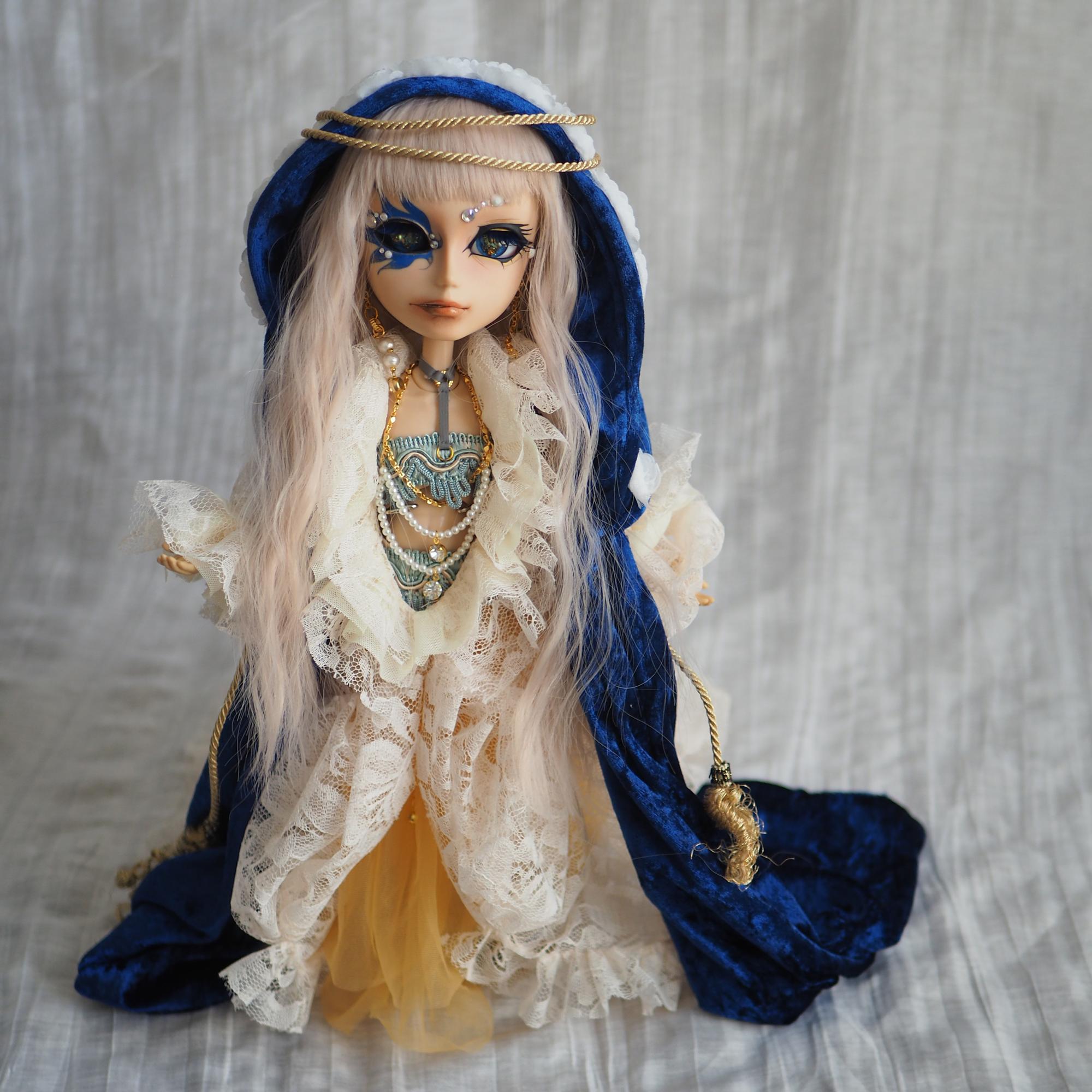 Madonna blue(マドンナブルー)全身正面