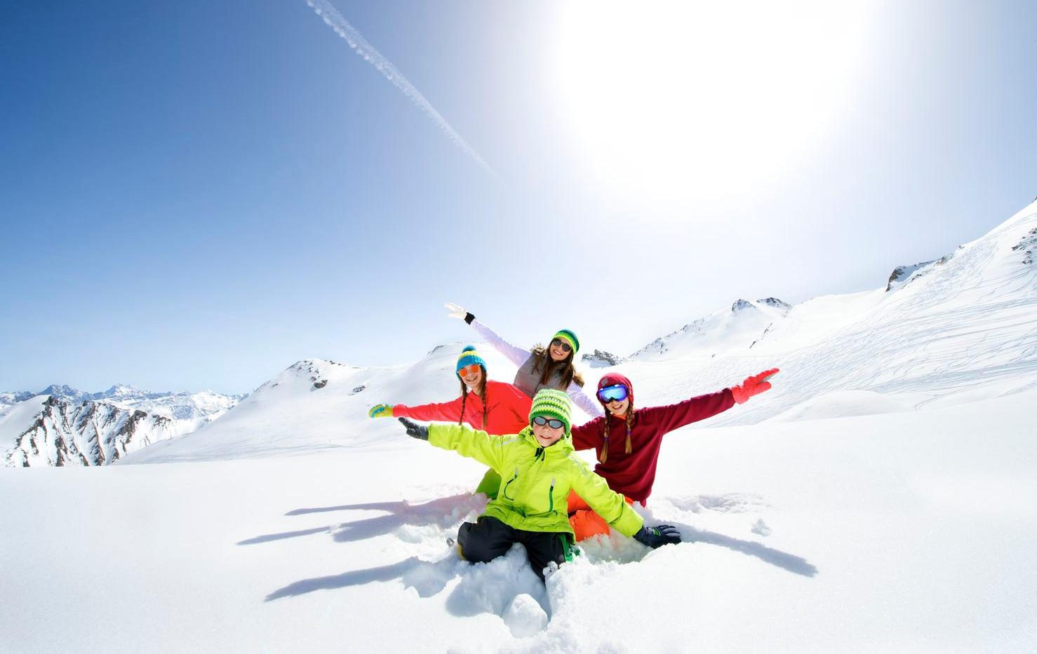 familie_skifahren_sfl.jpg