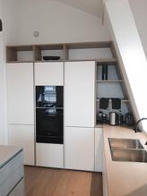 2020: Küchenregal in Dachschräge