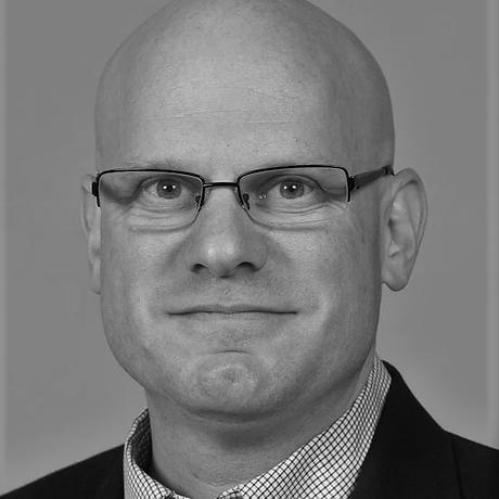 Adam Gittler - Professional headshot Mar