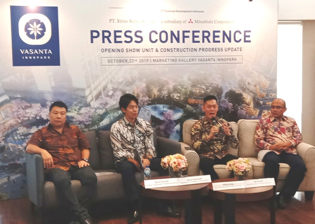 KIKA : Agnus Suryadi President Commisioner PT Sirius Surya Perkasa, Mr Kenji Shimazaki selaku Marketing Director PT Mitsubishi Corporation lndonesia, Ming Liang, Sales & Marketing Director Vasanta Innopark, dan perwakilan dari PT PP Property Construction & lnvestment