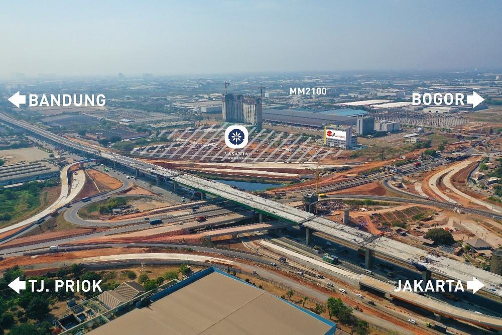 Lokasi strategis tepat di persimpangan toll JORR II