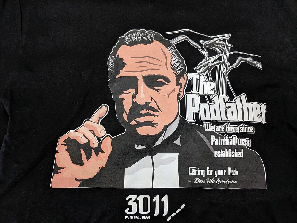 Für alle verschwundenen Pötte auf der ganzen Welt ist er verantwortlich. Der Podfather Don Vito. Jetzt als Paintball T-Shirt.