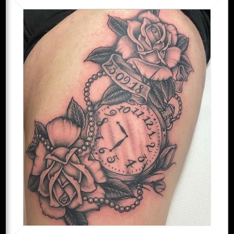 ROSES & POCKET WATCH