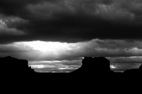 """""""el rayo de luz antes de la tormenta"""""""