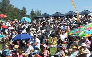 Race In To The Tuncurry Races!