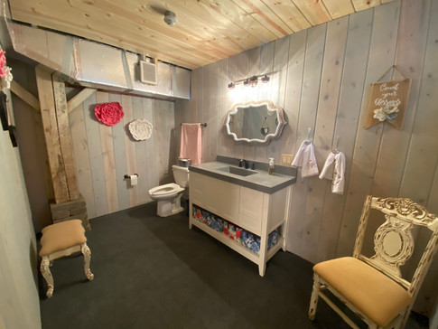 Bathroom in Bridal Suite