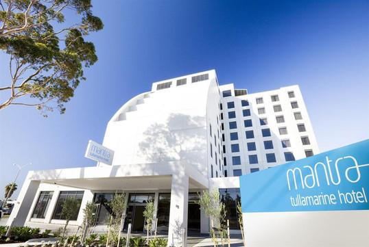 Mantra-Tullamarine-Hotel-Exterior.t32137