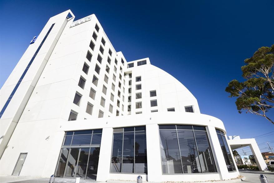 Mantra-Tullamarine-Hotel-Exterior1.t3212