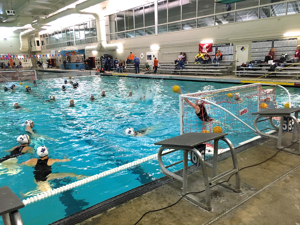 UW water polo warms up before playing WSU