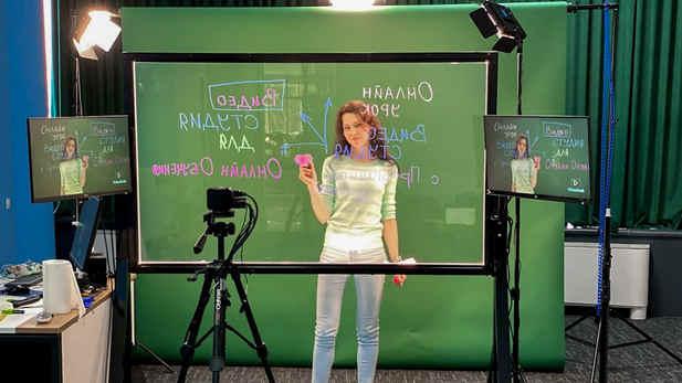 При заказе видеостудии под ключ вы получаете - настройку оборудования, обучение и тех. поддержку на 1 год