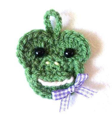 Gehäkelter Geschenkeanhänger Frosch