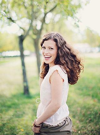 Vocals - Lisi Dorn