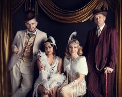 Styled Gatsby Inspired Family Portrait.