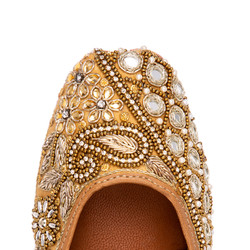 E-commerce. Shoes.