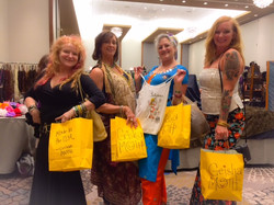 WI Friends shopping together in IL!