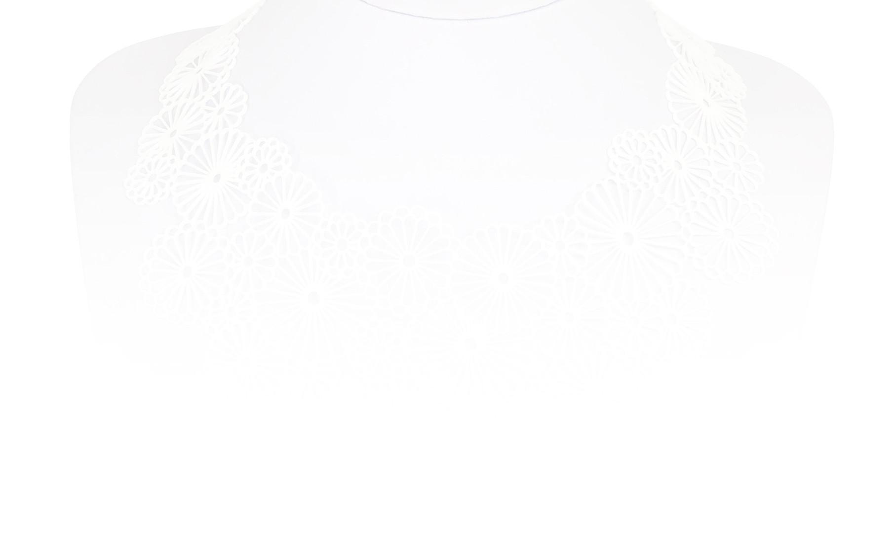 191228_MUM_White.jpg