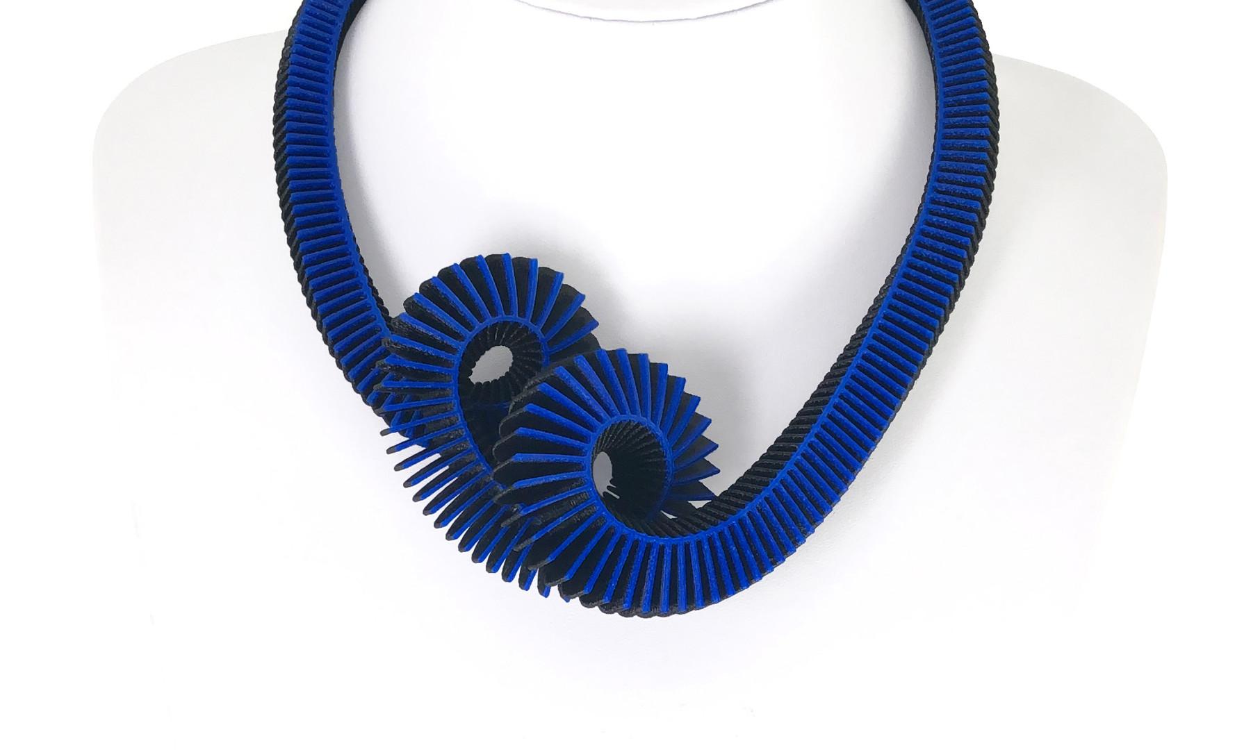 191228_HELIX_Blue-Black_02.jpg