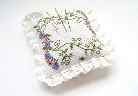 cross-stitch-1249657_b.jpg