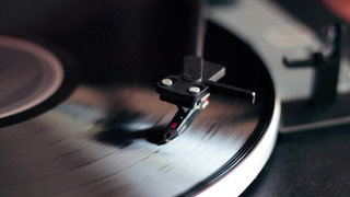 Spinning-Record.cms.mp4