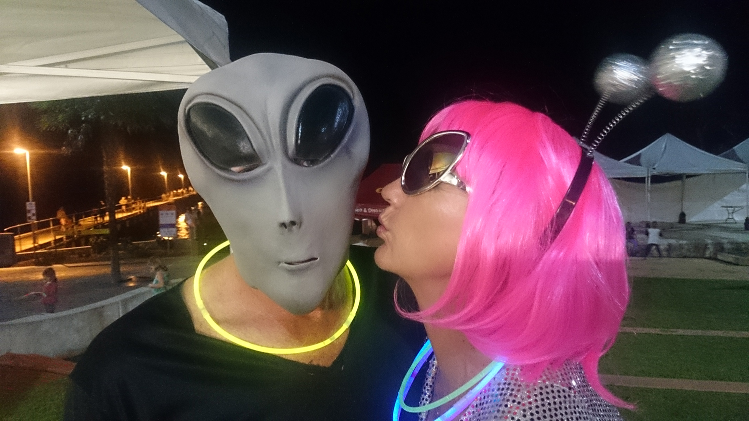 We love aliens