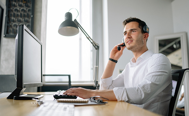 Comment se comporter en tant que recruteur pendant un entretien d'embauche par vidéo ?