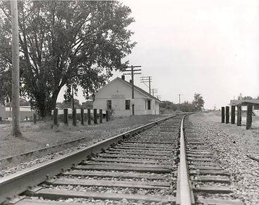 train tracks.jpg